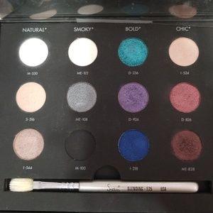 Make up forever Palette (case not included)